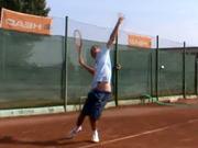 Tenisové podání - jak správně podávat při tenisu